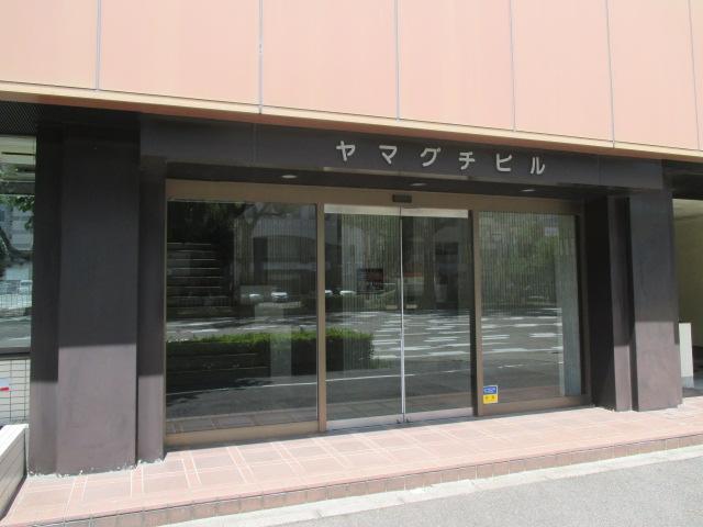 千代田5 アパートメント千早 エントランス