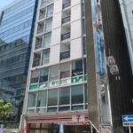 【御園パレス】2階9.06坪 中区栄1丁目、1階コンビニ入居の閑静なオフィスビル