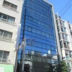 【RSビル】1階10.90坪 中区栄1丁目、閑静な立地のガラス張りの外観がきれいなビル